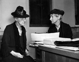 Breckinridge (left) and Abbott (right). University of Chicago Photographic Archives.